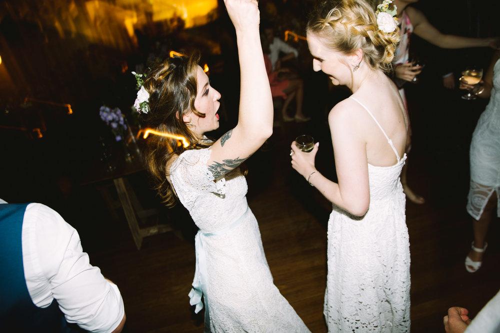 Katie-Jane+Robbie_Dancefloor_lowres-7165.jpg