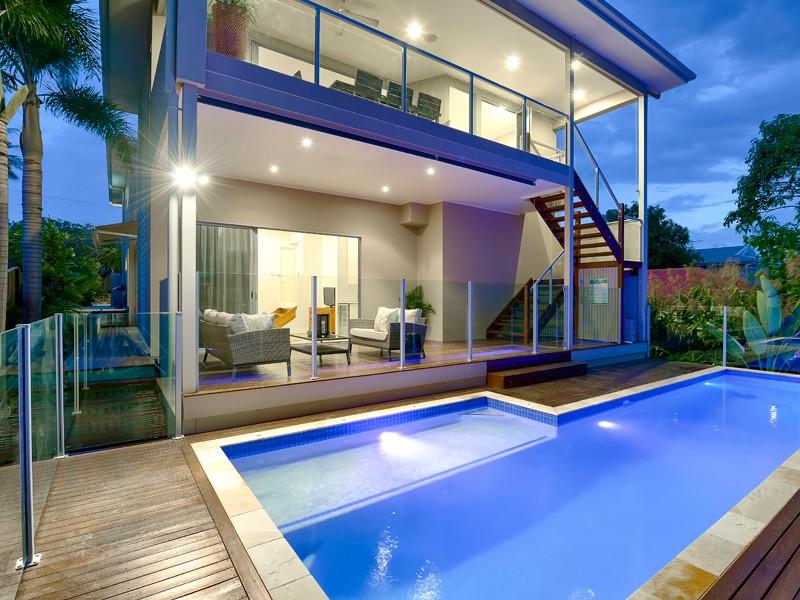 Swimming pool doors buildsurv building surveyors and private certifiers adelaide sa for Swimming pool fencing regulations sa