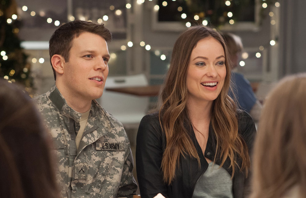 Jake Lacy and Olivia Wilde in love the coopers