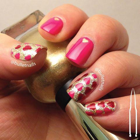 happy valentine's day. here's my sparkly red & pink mani 💝💘💖 #valentine #bemine #hearts #love #crumpetsnailtarts #26greatnailartideas #26gnai #nails #nailart #mani #manicure #nailswag #nailporn #nailsbyme #naildesign #nailsofinstagram #nailartaddict #polishaddict  #allthehashtags