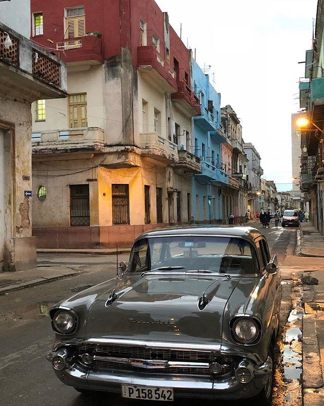 welcome to havana! #classiccar #havana #cuba #ursulahosting