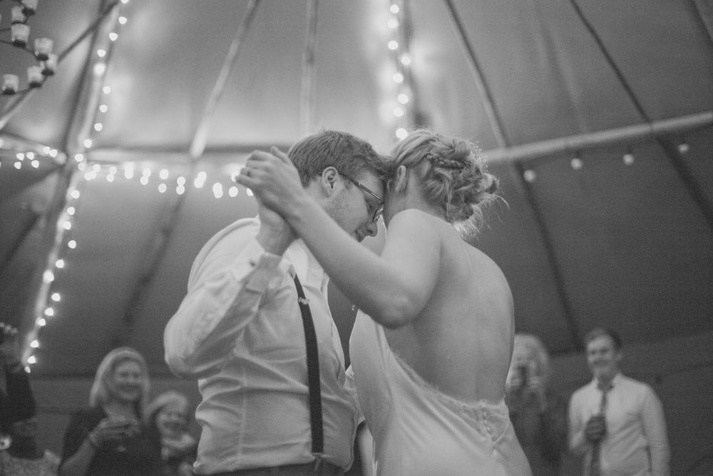 Fforest-wedding-photography-wales-Wedding-photographer-147.jpg