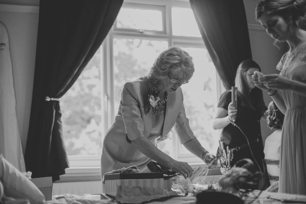 Delbury-Hall-Wedding-Photography-Shropshire-22.jpg