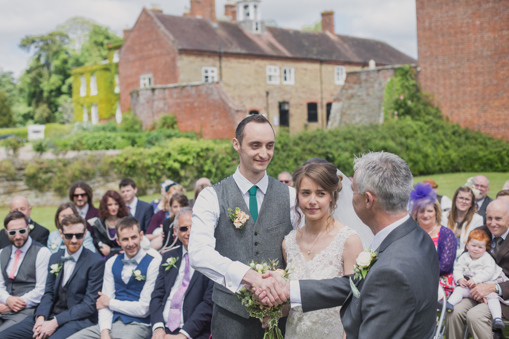 Delbury-Hall-Wedding-Photography-Shropshire-44.jpg