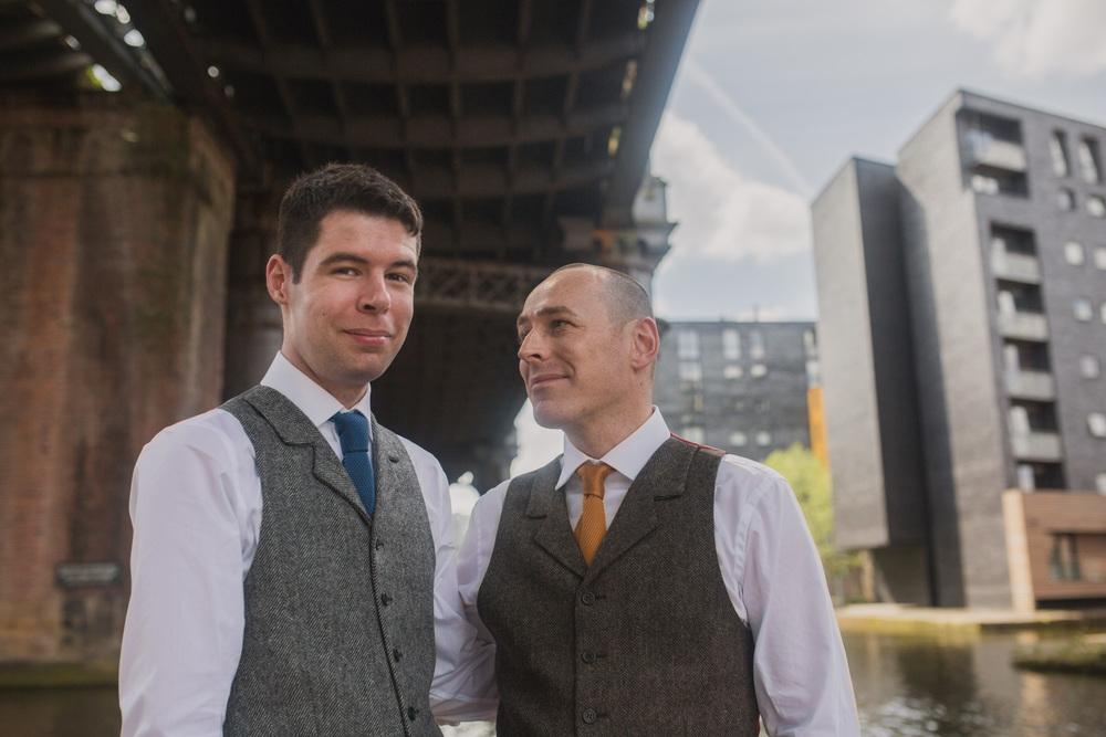 Manchester-Elopement-Wedding-Photography-24.jpg