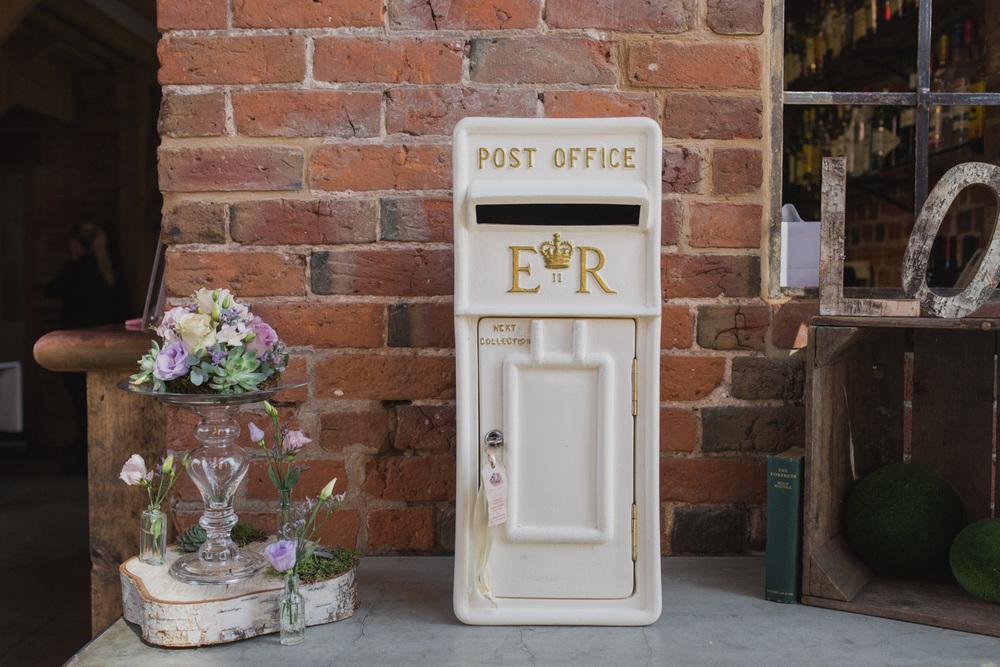Shustoke-Barn-Wedding-Photography-Shropshire-16.jpg