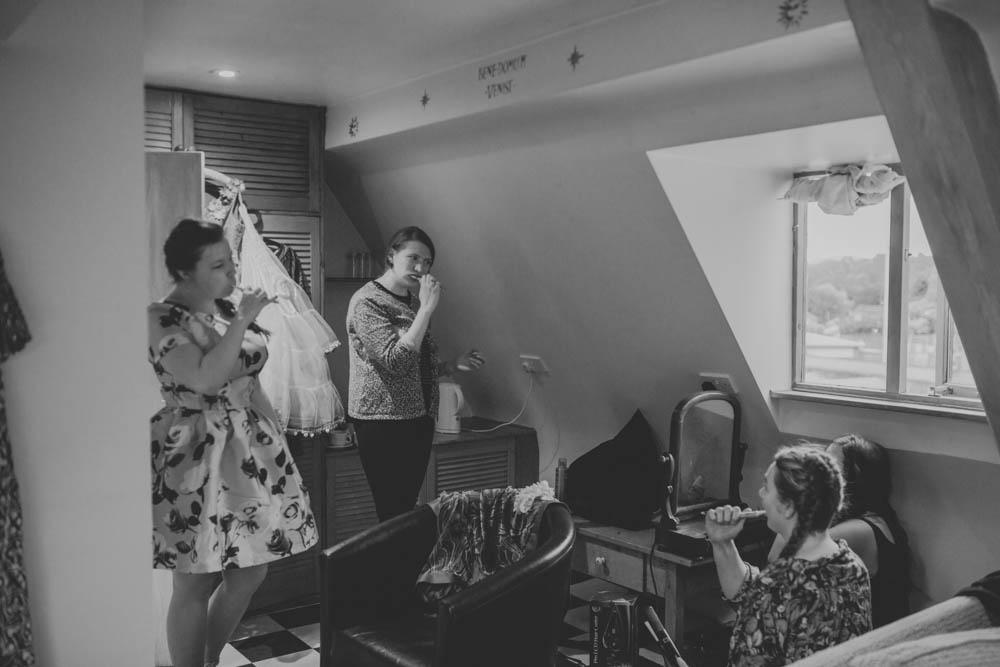 Festival_Wedding_Photography_Stroud-3.jpg