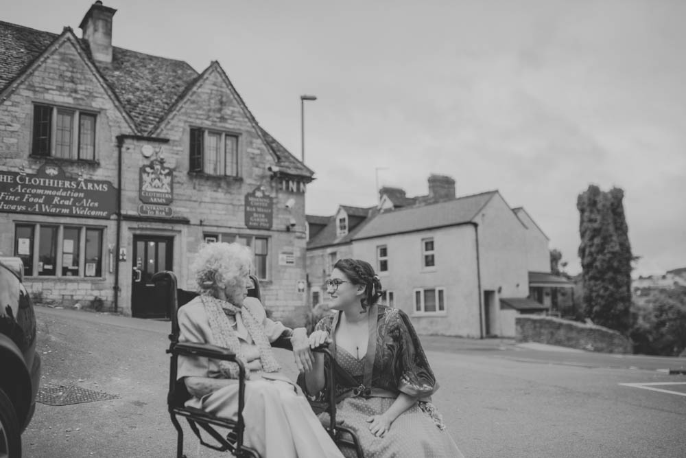 Festival_Wedding_Photography_Stroud-10.jpg
