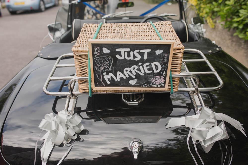 Festival_Wedding_Photography_Stroud-22.jpg