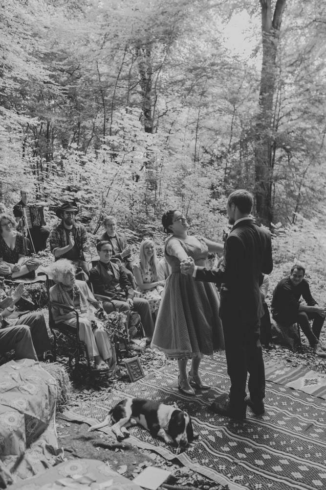 Festival_Wedding_Photography_Stroud-38.jpg