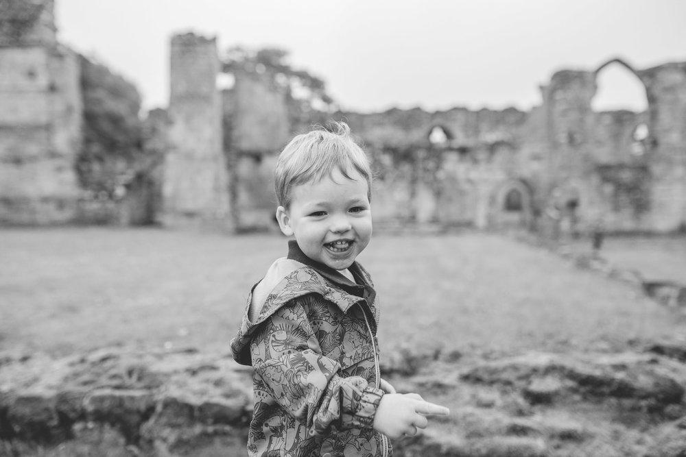 ShrewsburyFamilyPhotographer_HaughmondAbbey-4.jpg