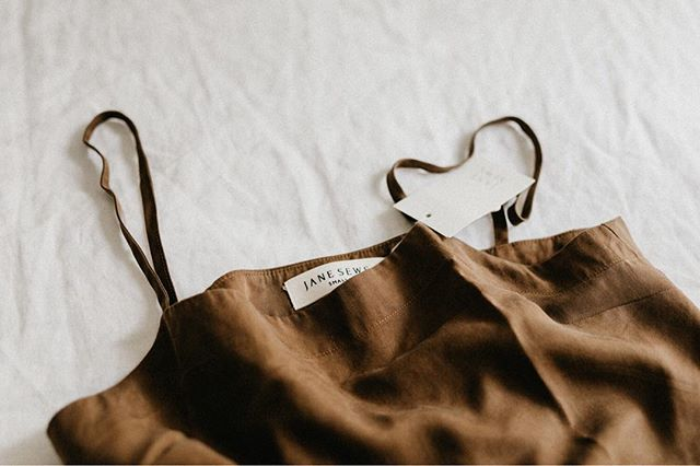 Neutral feels today. You can find this lovely cami top and other timeless pieces from @jane_sews. The Cape Town pop up shop is open until the end of this month. • • • • • • #smallmomementsofcalm #moodyports #neutrals #gowildlyandslow #slowfashion #slowliving #exploremore #thatsdarling #theartofslowliving #seekinspirecreate #styleblogger #lookslikefilm #lifestyle #asecondofwhimsy #folkcreatives #minimalstyle #postitfortheaesthetic #lifestyleblogger #liveauthentic #thehappynow #stylediary #documentyourdays