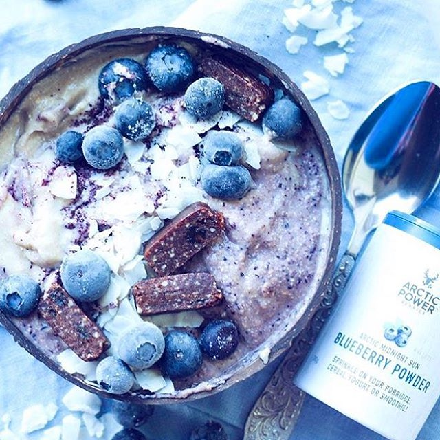 Nothing else says Saturday more than a huge bowl of Wild Blueberry nice cream for breakfast! 😊Happy weekend berry friends! 💜 ✨www.arcticpowerberries.com✨