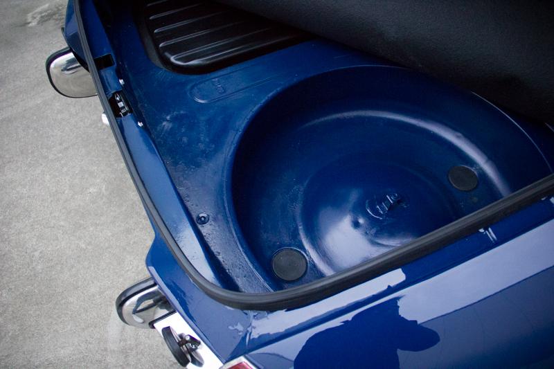 Alfa_Romeo_Duetto-18D.jpg