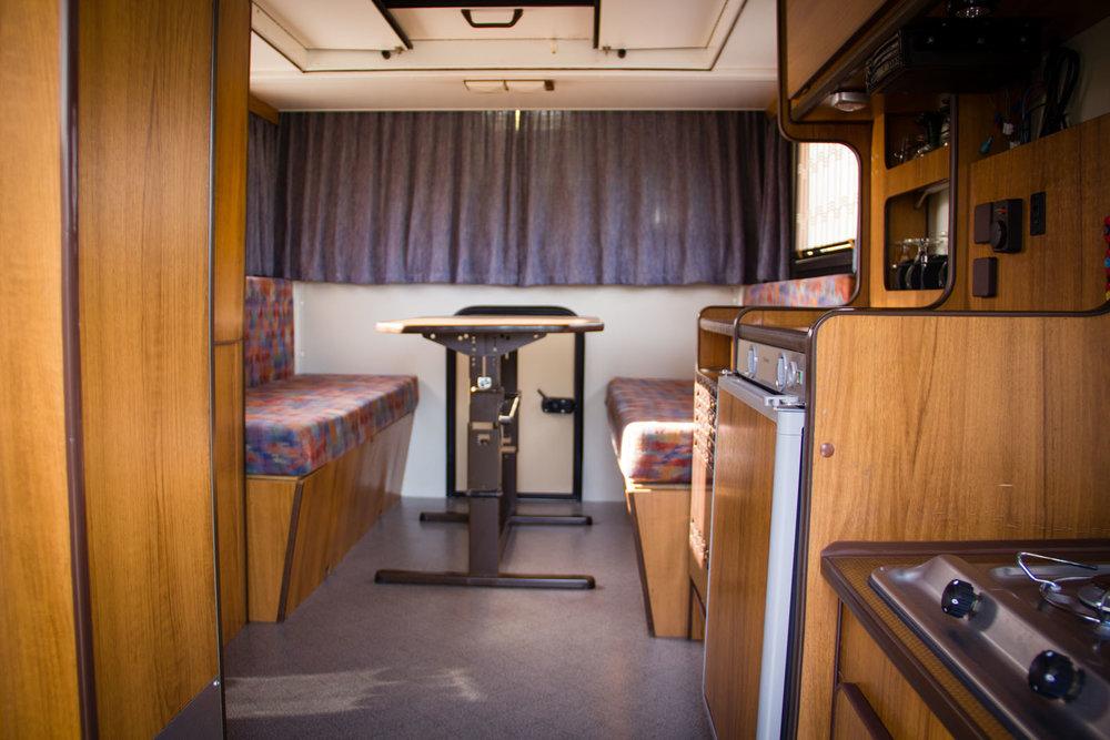 volkswagen-camper-T2-oldtimerland-67.jpg