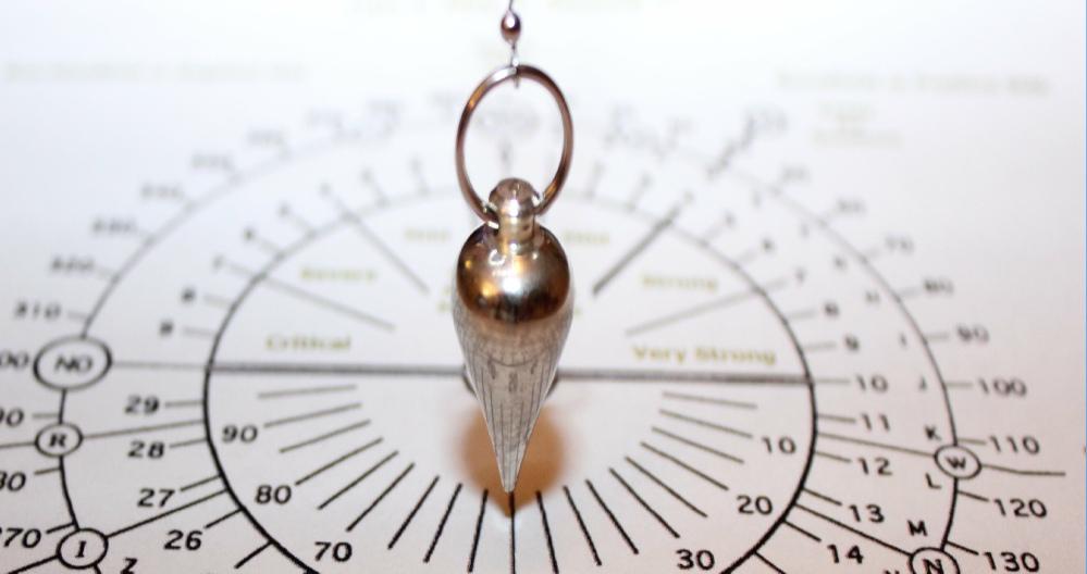 Pendulum Dowsing Tony Fox Tarot