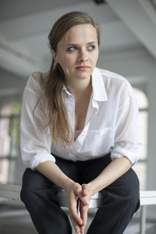 Sandra Schreiber sitzend