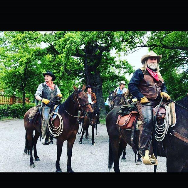 Cowboysen anlände med stil 👌🐎 #Djurgården #scandichasselbacken #restauranghasselbacken #cowboyfest2017
