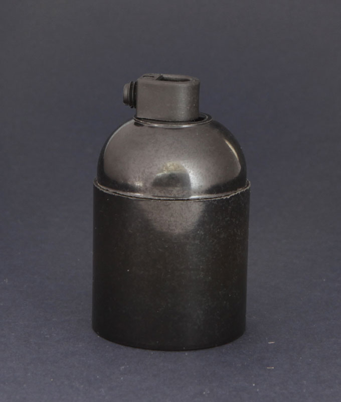 e27-bakelite-bulb-holder-black1.jpg