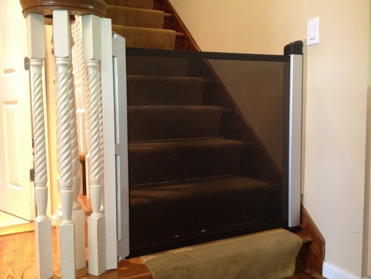 Retractable Baby Safety Gate New York City Nyc Baby Proofing