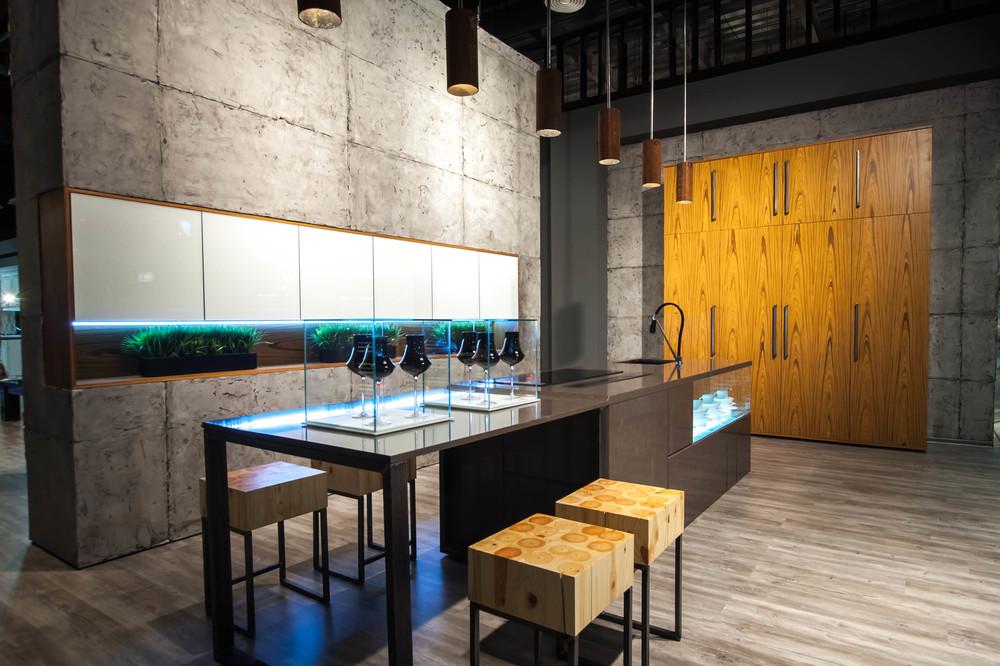 Кухонный шкаф Roda.  Тик Тангентальный   Компания Рода  (Украина)