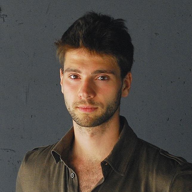 Валентин Лузан, провідний дизайнер ODESD2, автор курсу по ескізуванню в дизайн-школі ODESD2
