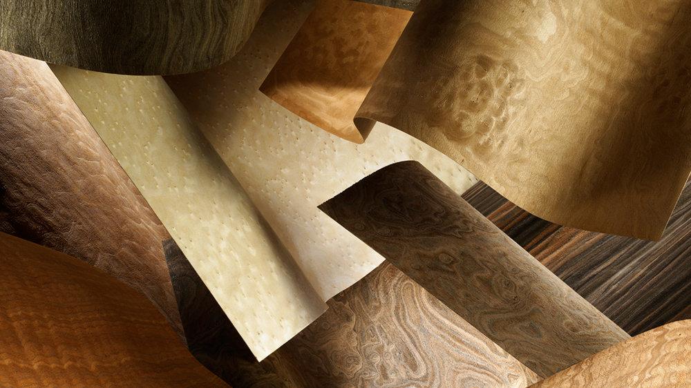 ALPIFORM - Этот шпон покрыт лаком с масло-восковым эффектом. Из-за открытых пор кажется, что на нем лака и нет вовсе. Прекрасно смотрится, а главное, приятно ощущается на фасадах и панелях.