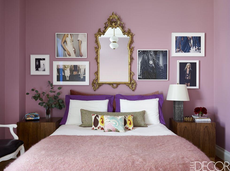 Розовый цвет силы - Теперь это официально: розовый теряет свои гендерные ассоциации. Он пробуждает настолько много чувств, что каждый может себя с ним соотнести. От веселья до страстного желания, этот цвет идеально исправит настроение комнаты.Pantone прогнозирует, что 2018 будет годом, когда миллениальный розовый меняет отношение к себе на сильную, более сложную версию самого себя.