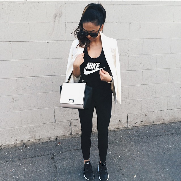Blazer: FOREVER 21 | Tank: NIKE | Leggings: FOREVER 21 | Shoes: NIKE HUARACHES | Bag: KATE SPADE NY