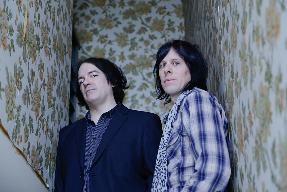 THE-POSIES-stairs-01-credit-photo-Dot-Pierson-2016.jpg