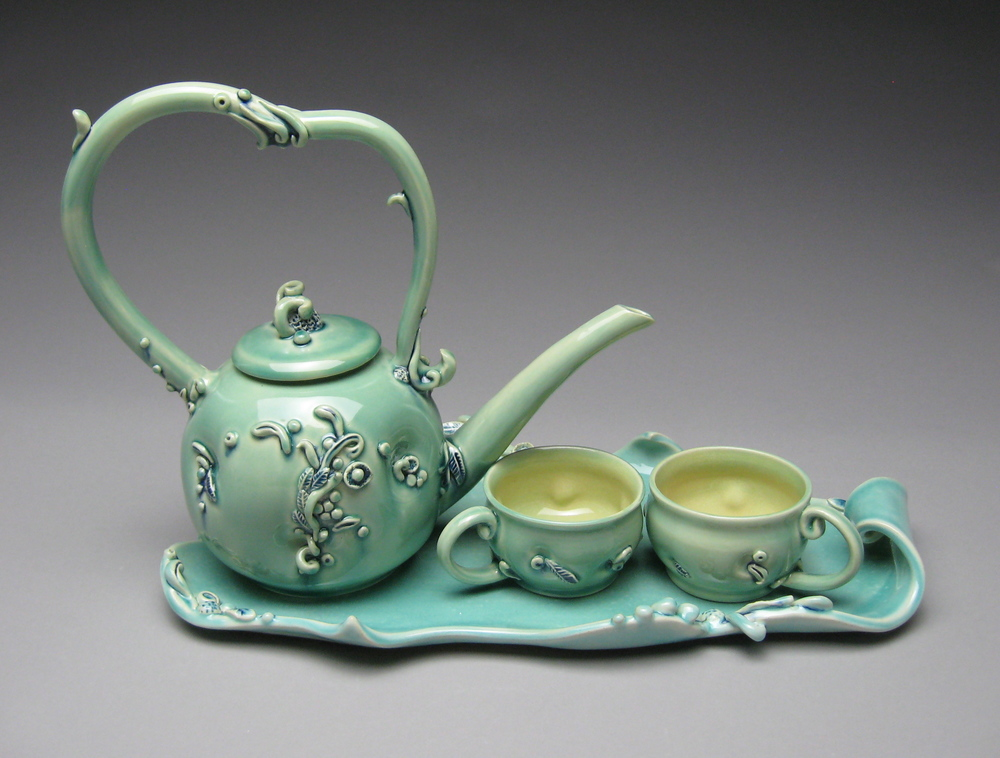 Viticoltura (Growing Vines) Tea Set