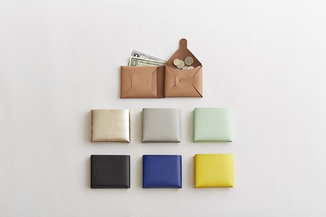 New products instore! The seamless wallets are new addition. irose seamless wallet are made from a single piece of leather. Simple and minimal.