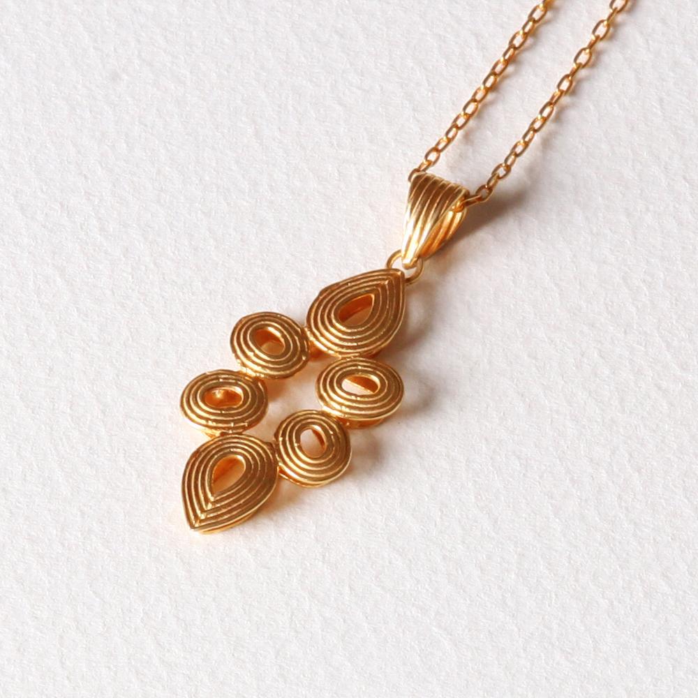 YW-P010  Pointed Teardrop Necklace.jpg