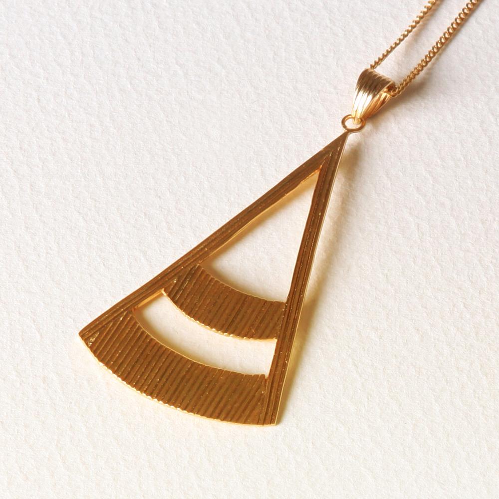 YW-P017  Wire Triangle Necklace.jpg