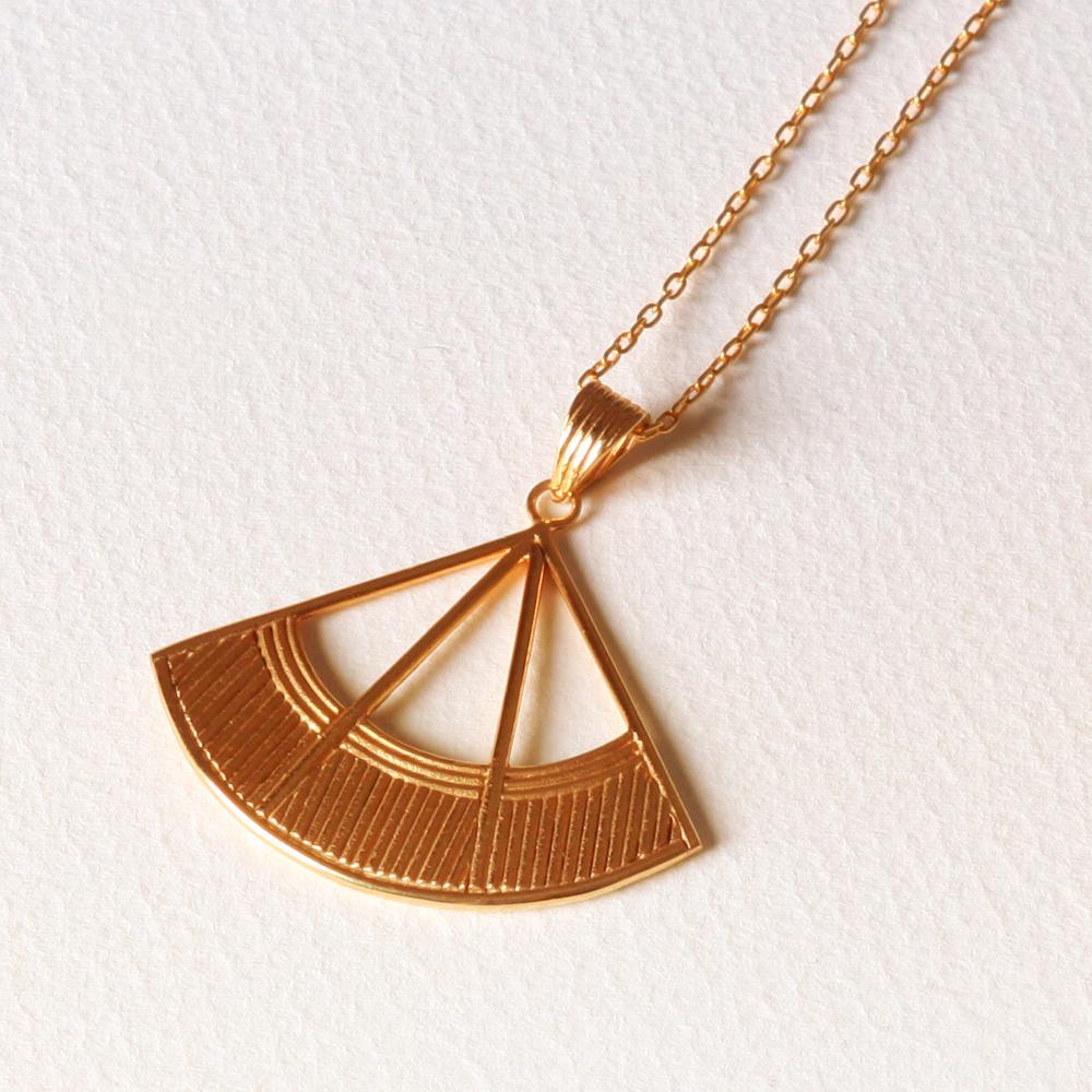 YW-P023  Fan Necklace.jpg