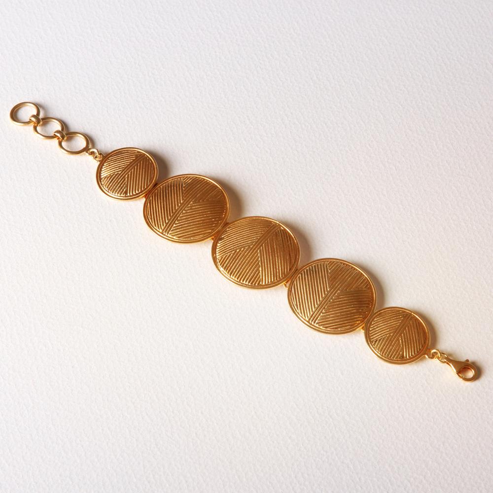 YW-C011 Solid Circle Bracelet.jpg