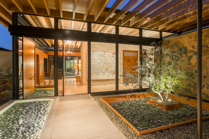 3-countryside-lane-print-007-13-exterior-front-courtyard-4200x2800-300dpi.jpg