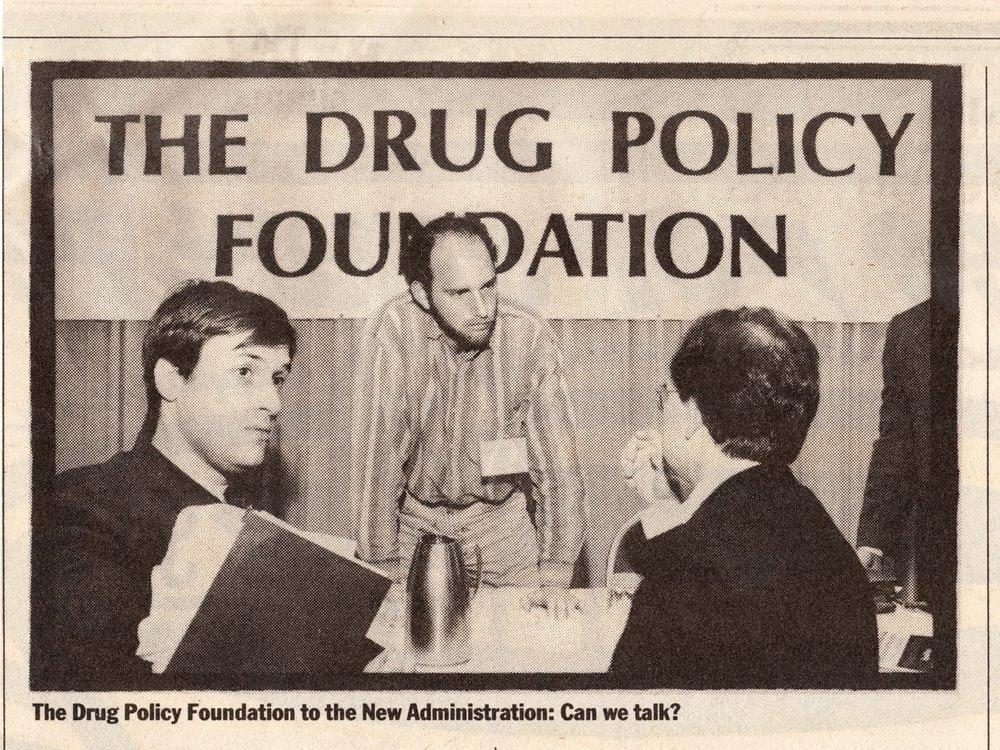 Em 1992, quando a discussão era praticamente vetada, Ethan tentava abrir o assunto com a administração Clinton