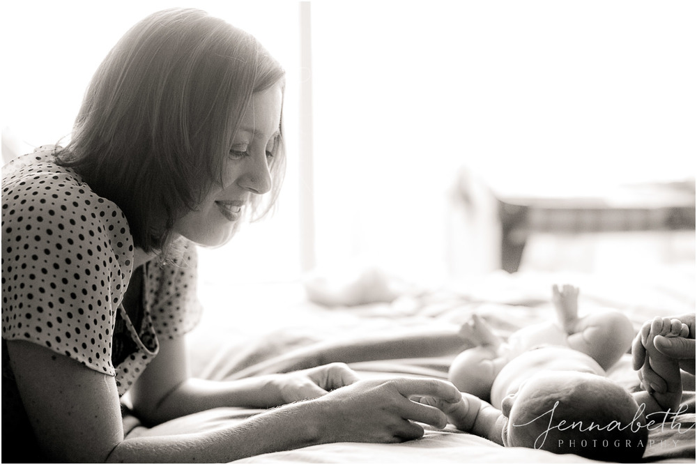 JennaBethPhotography-BurgNewborn-2.jpg