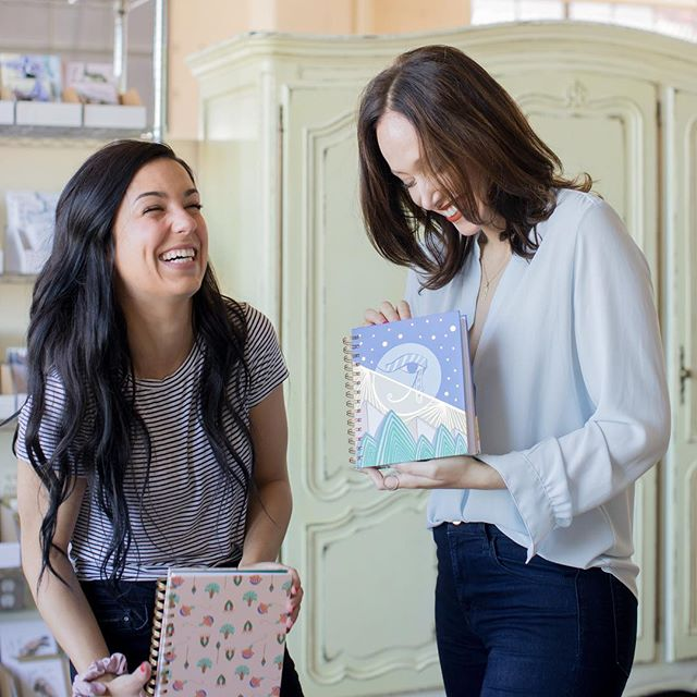 I couldn't help but just laugh along with them during this fun editorial photo shoot!  This woman and her talented skills are beyond amazing. If you want to send a quirky & fun greeting card look no further then @goodjujuink! Thanks for all the laughs, I sure needed that good juju 😘