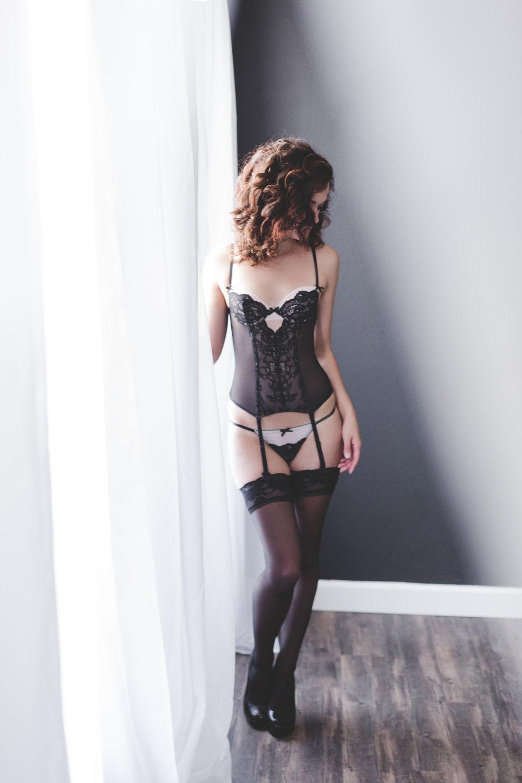 Miss_R_Boudoir_087.jpg