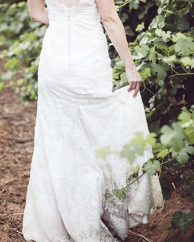 Brides who aren't afraid of a little dirt on their dress are my favorite. They are women #aftermyownheart Speaking of dirt I'm loooooonging for spring. Ready to dig my hands in earth and plant. There's such a peace that comes with the way soil clings to the tiny grooves of my fingertips and the feeling of fresh spring air in my lungs. I. Can't. Wait. #comeonwarmweather #readyforspring