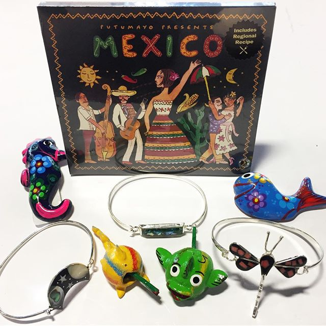 It's Cinco de Mayo! 🇲🇽 This holiday commemorates a victory over the French in the Battle of Puebla and is not widely celebrated in the rest of Mexico. But we thought it was as good a time as any to highlight some crafts from our Mexican artisan partners, including these magnets, bracelets, and seismic critters! #cincodemayo #fairtradejewelry #fairtradehome #madeinmexico