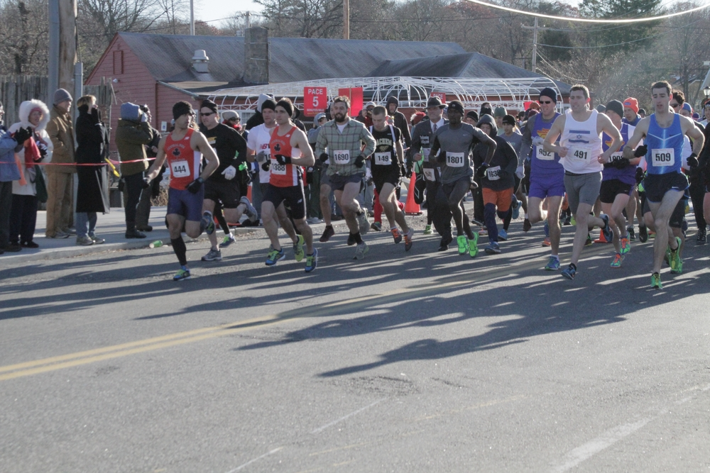Runners will again head to the streets of Huntington before turkey time for the annual Thanksgiving Day Run.