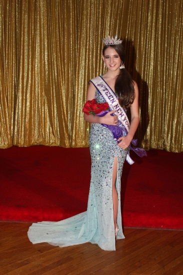 Dix Hills' Rachel Goldsmith is crowned Miss Teen New York International on Oct. 4; she's now using her yearlong service commitment to promote awareness of teen depression.