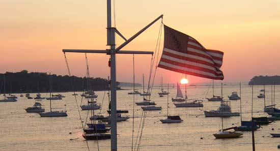 Northport Yacht Club offers guest moorings for visitors from other yacht clubs with reciprocal arrangements.
