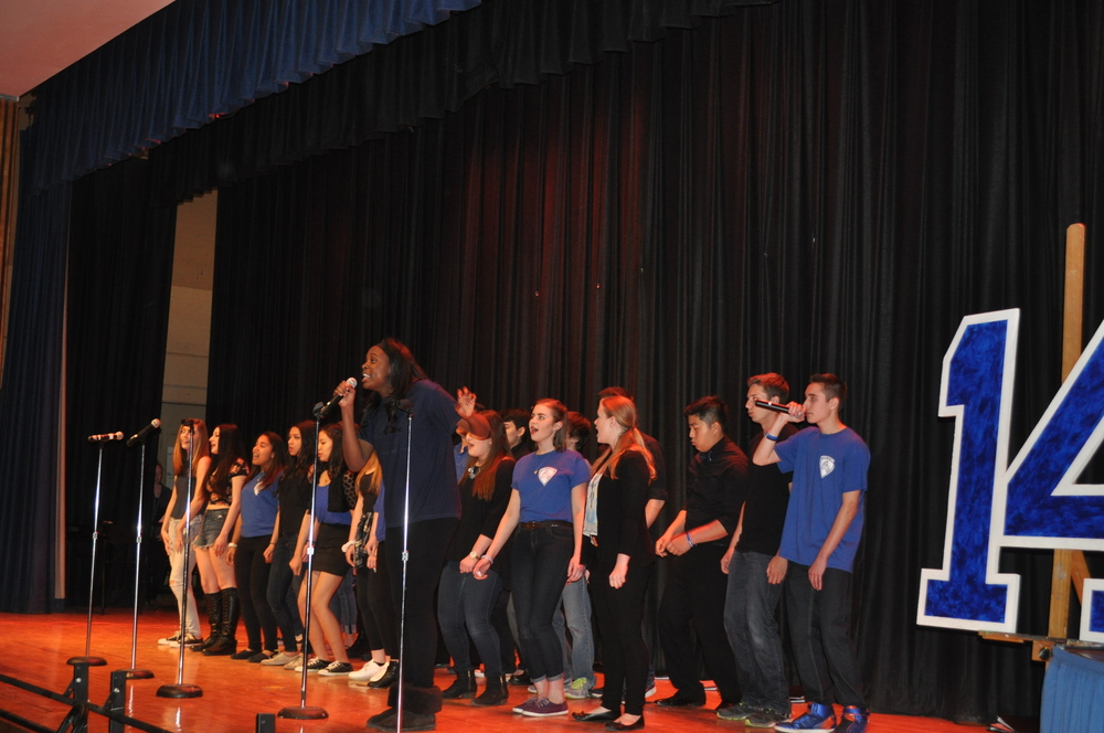 "Members of ""Acapellwood"" perform One Republic's ""When The Love is Gone"" during the concert."