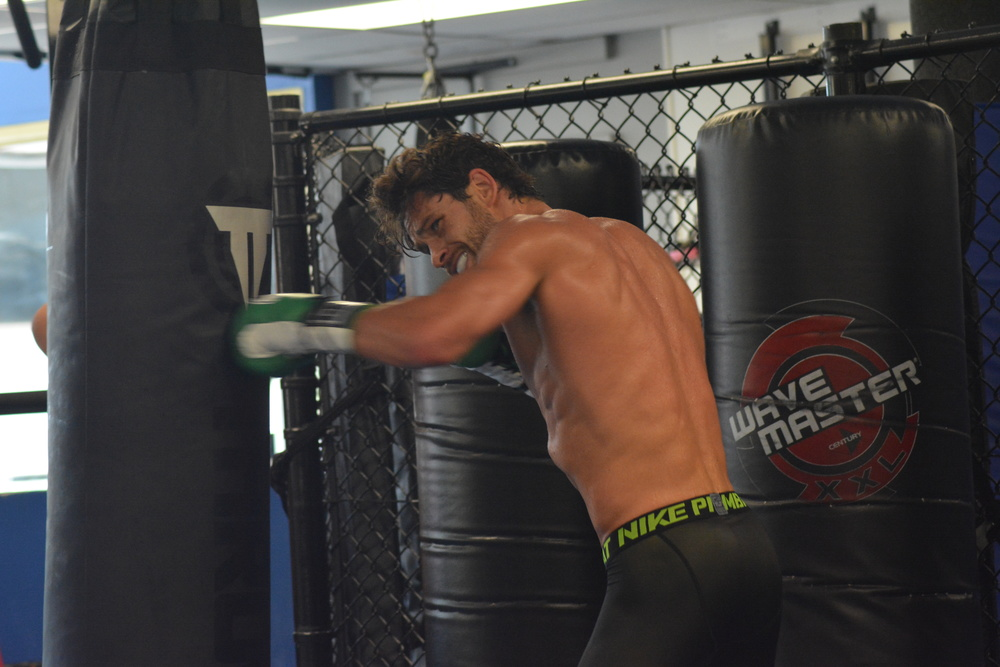 Greenlawn's Chris Algieri trains tirelessly for his upcoming Friday-night title bout at the Barclays Center against Amir Khan.