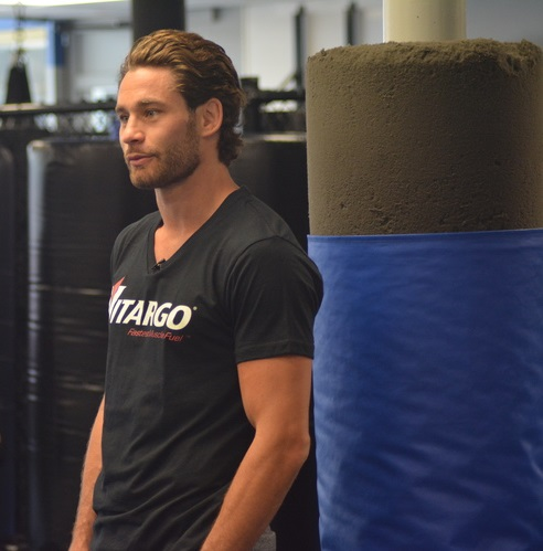 Chris Algieri, a former world champion boxer from Greenlawn, pictured during a workout earlier this year, will get back into the ring on Saturday.
