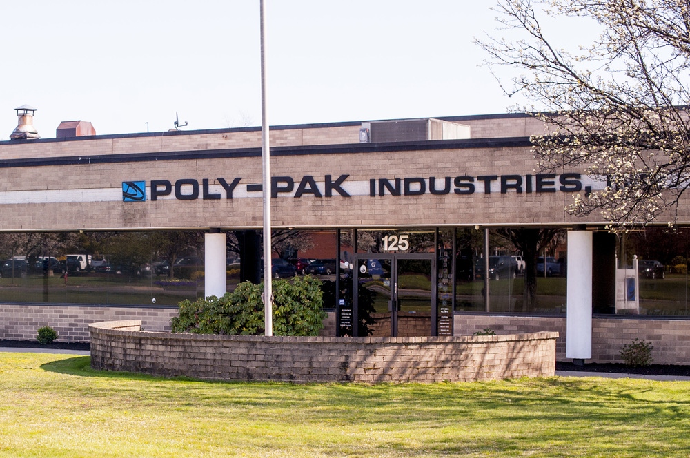 Melville-based manufacturer Poly-Pak Industries has taken a stance against Suffolk County's proposal to ban use of single-use plastic bags at retail stores.